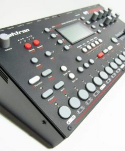 futurebeatmusic-com-elektron-stand-side-1